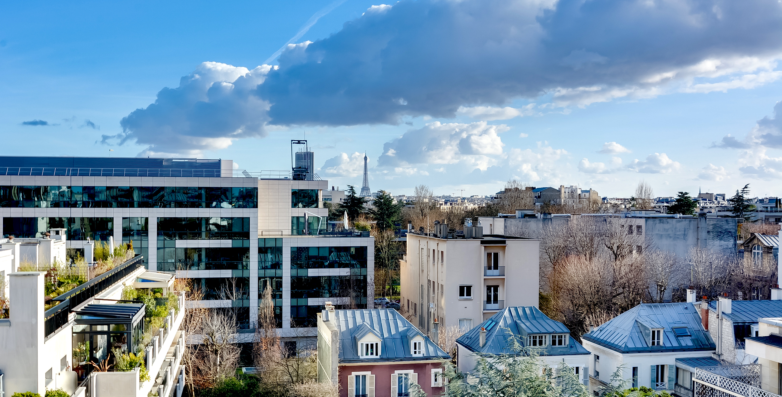 Magnifique Dernier Etage de 86m² avec vue imprenable – Neuilly sur Seine