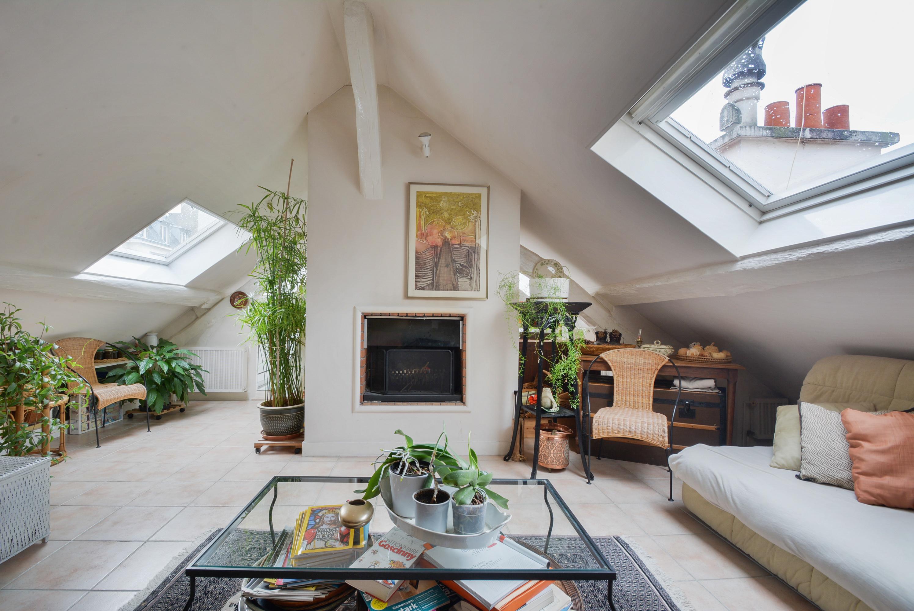Duplex en dernier étage # rue de Bourgogne # un jardin suspendu
