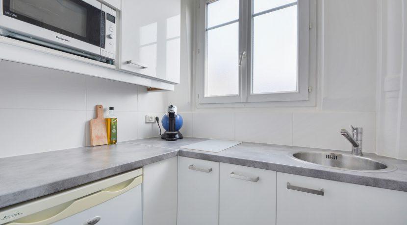 dernier-etage-paris-rue-lamblardie-cuisine