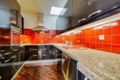 dernier-etage-paris-rue-Montmartre-cuisine