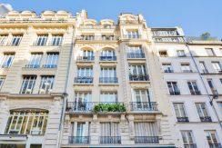dernier-etage-paris-rue-Montmartre-immeuble2