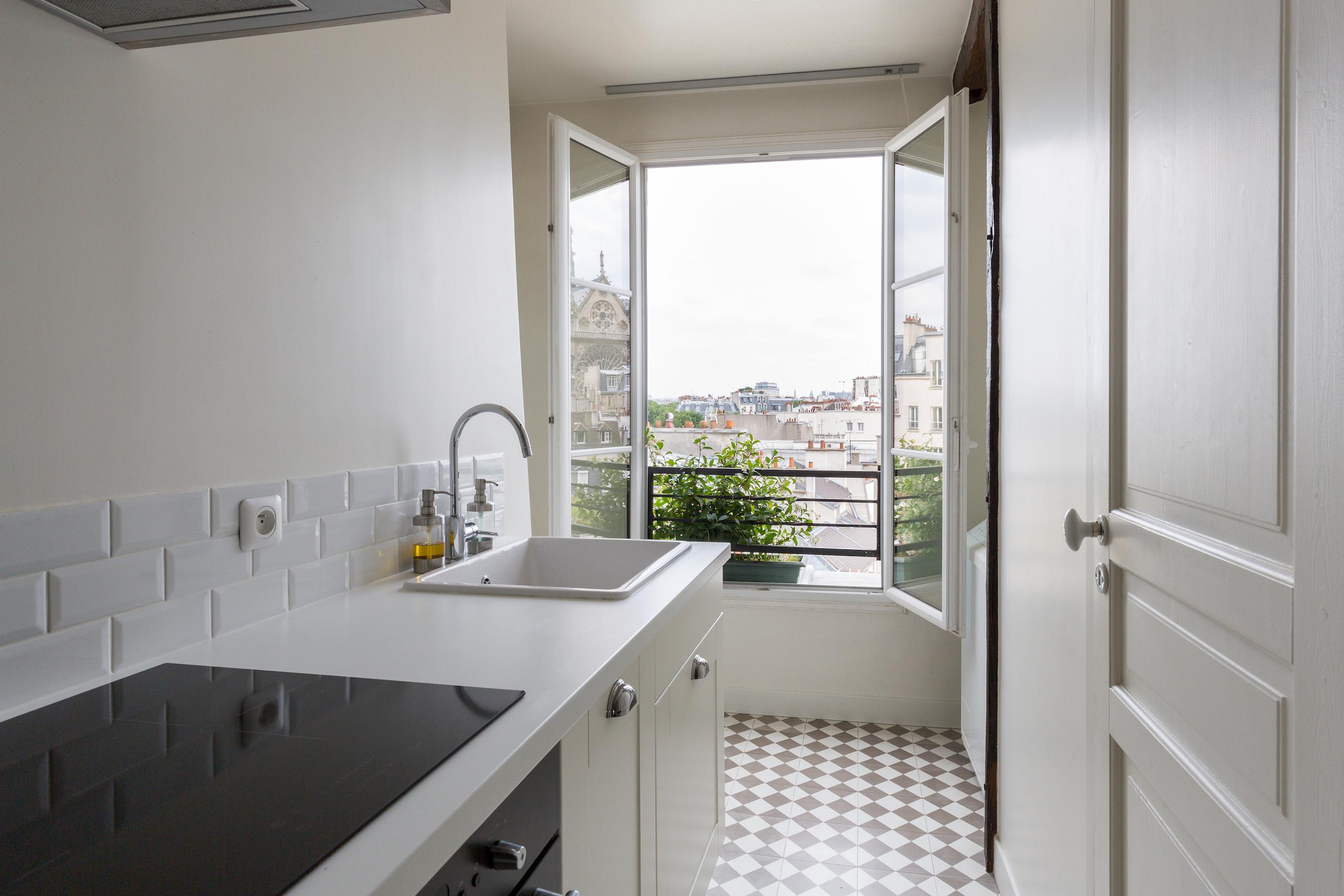 dernier-etage-paris-ruearcole-cuisine