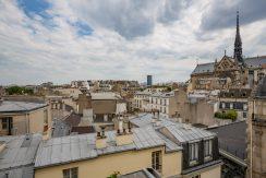 dernier-etage-paris-ruearcole-vuetoits