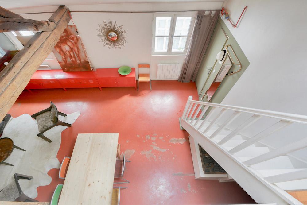 dernieretage-paris.com-rouge.escalier